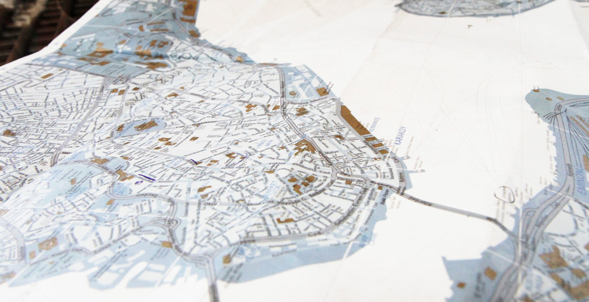 a map of istanbul the bosporus divides the city into two parts