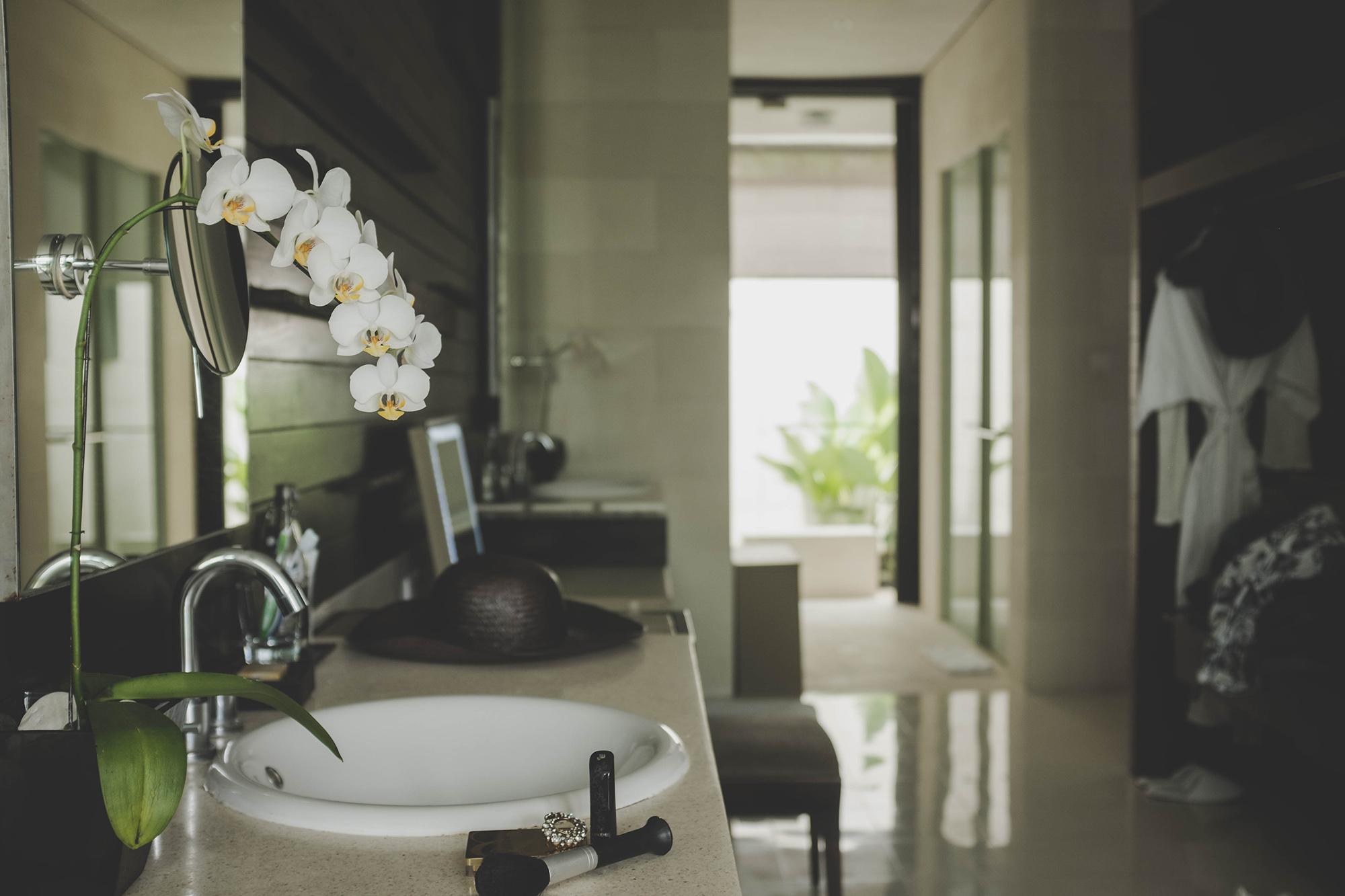 2017-04-Alila-Villas-Uluwatu - alila-villas-uluwatu-bali-nectarandpulse-bathroom-39.jpg