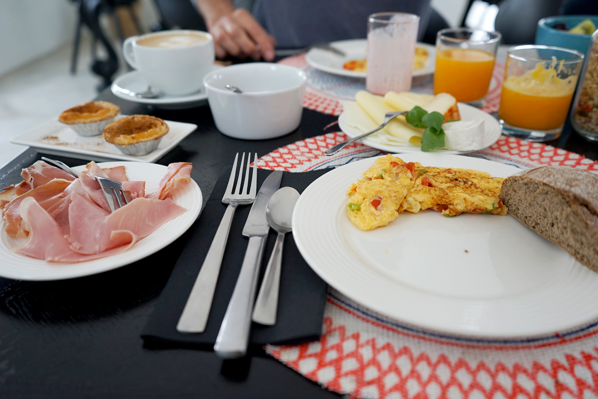 2017-04-Casa-Arte-Bad-Gastein - casa-arte-algarve-nectarandpulse-breakfast-11.jpg