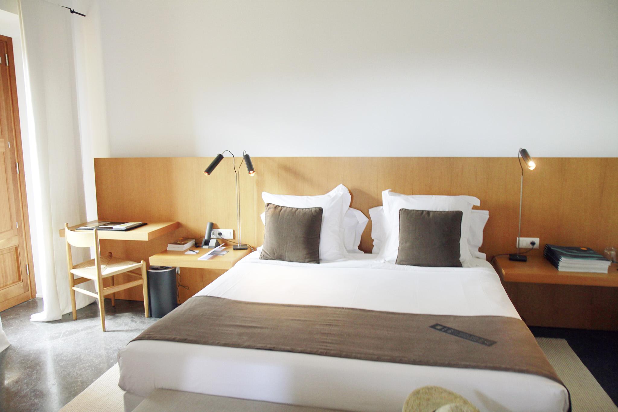 2017-04-Son-Brull - son-brull-hotel-spa-mallorca-nectarandpulse-bedroom-24.jpg